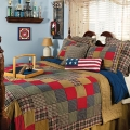 12 Ways to Add a Patriotic Pop to Your Bedroom or Bath Image 3