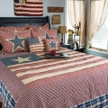 12 Ways to Add a Patriotic Pop to Your Bedroom or Bath Image 6